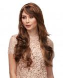 Sepia — Perruque synthétique longue aux cheveux ondulés Broadway (châtain)