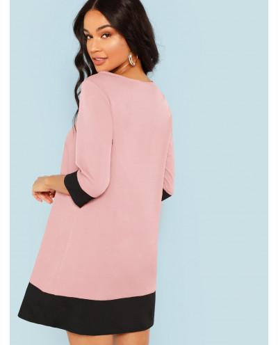 Robe tunique à bordures contrastées